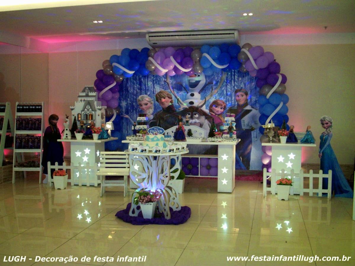 Frozen - decoração provençal de festa de aniversário infantil com o tema Frozen realizado na Barra da Tijuca RJ.