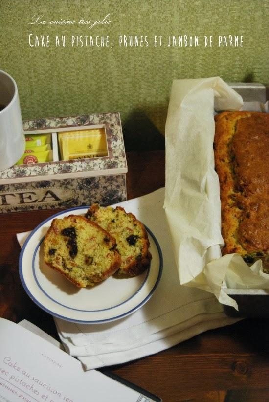 cake au pistache, prunes et jambon de parme
