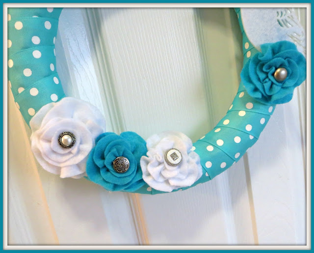 Felt flowers, polka dots, easy summer wreath, diy wreath