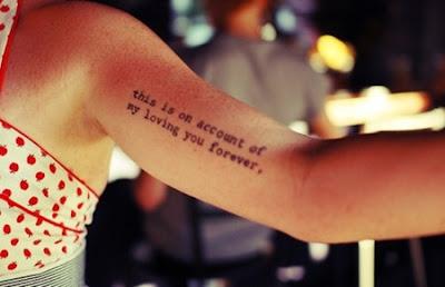 Fotos e imagens de Tatuagens Femininas com Frases