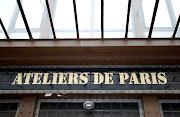 > PARIS