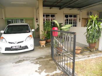 Ruang Porch parking kereta, kemudahan basuh kereta, ruang rehat bersama tumbuhan hijau