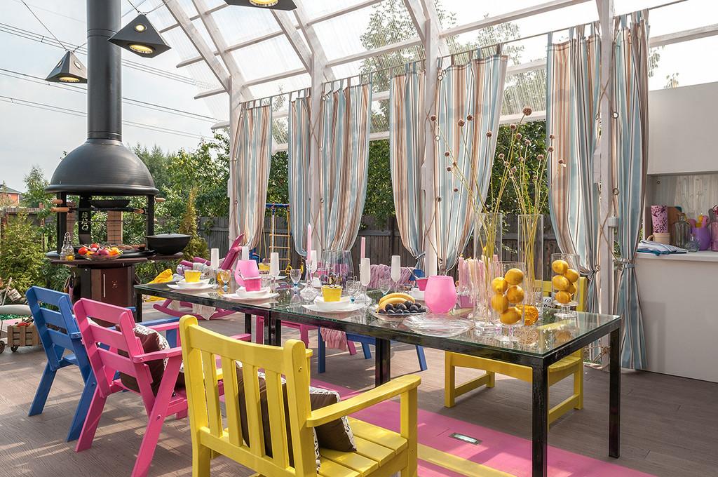 Arredare il terrazzo in stile rustico, un balcone o una veranda.