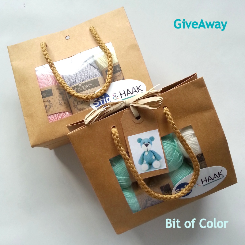 Bit of Color GiveAway