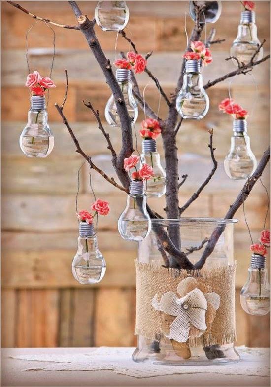 arranjo de flor feito com lampadas