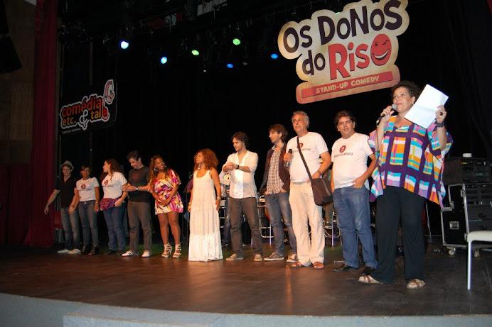SHOW DE STAND UP E MUSICA