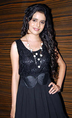 Shruti Kanwar as Ovi in Pavitra Rishta