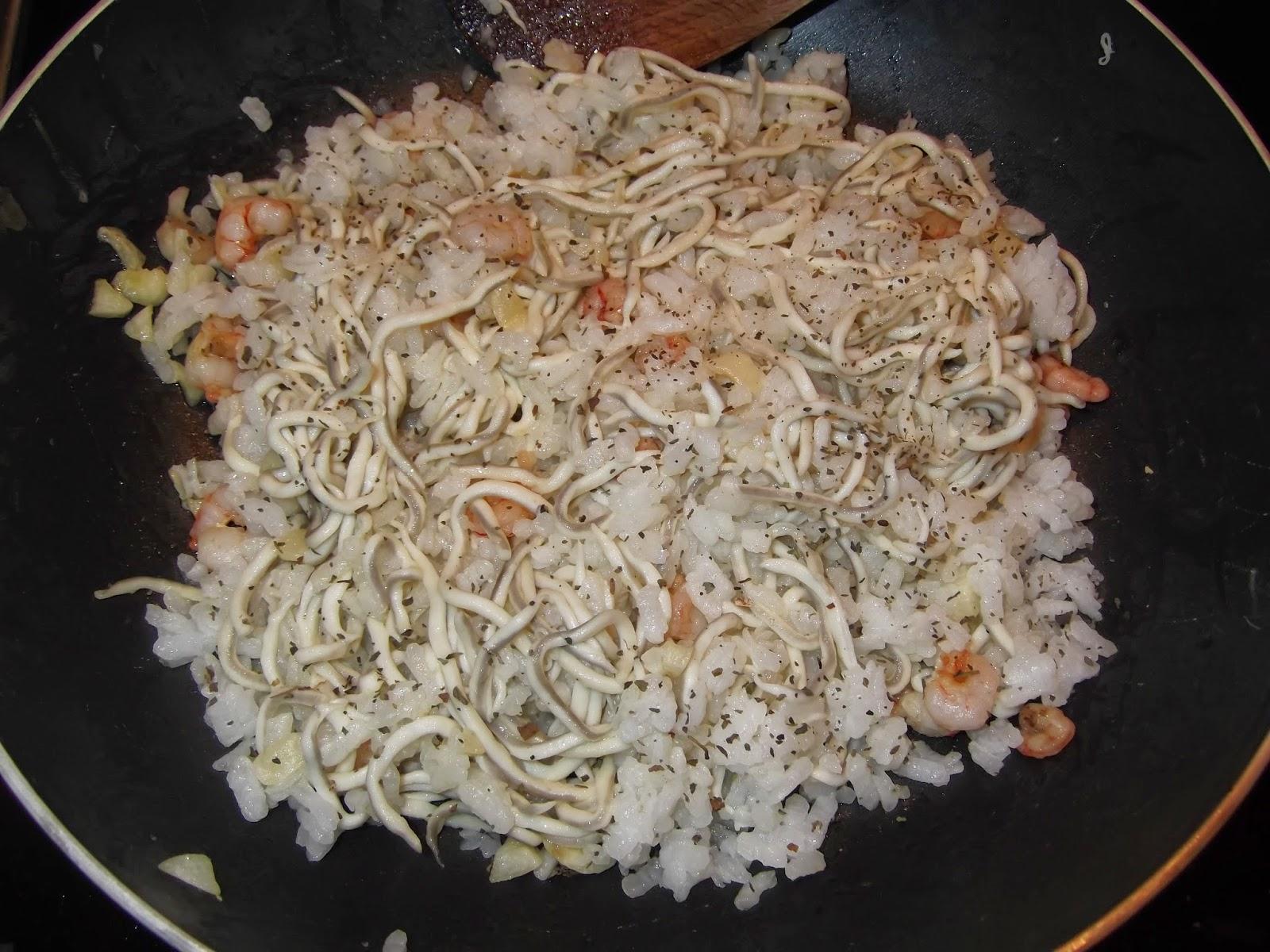 Arroz blanco con gulas y gambas recetas de cocina - Comidas con arroz blanco ...