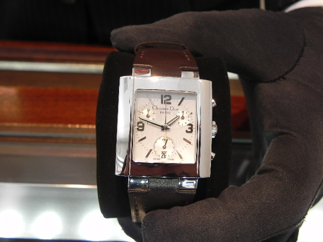 coach watch outlet wmwn  Coach woman Watch USD 300 now USD 200