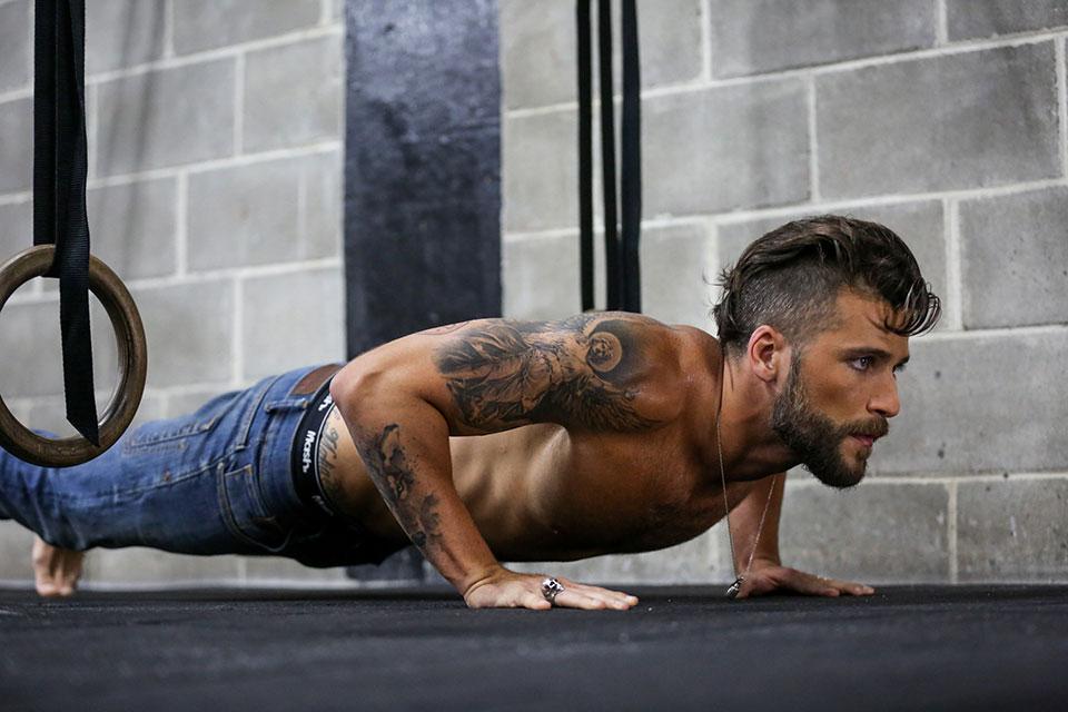 Bruno Gagliasso posa de cueca em ensaio para nova campanha da Mash. Foto: Gabriel Felix/Divulgação
