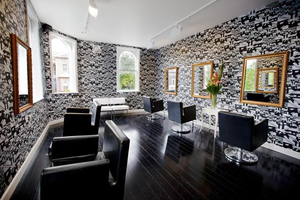 Table tonic spotlight stevie english hair table tonic for Salon wallpaper