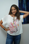 Lakshmi Manchu Latest Stylish Photos-thumbnail-7