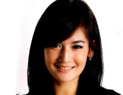 Maria Selena sexy mulus (Jawa Tengah) Terpilih Sebagai Putri Indonesia 2011