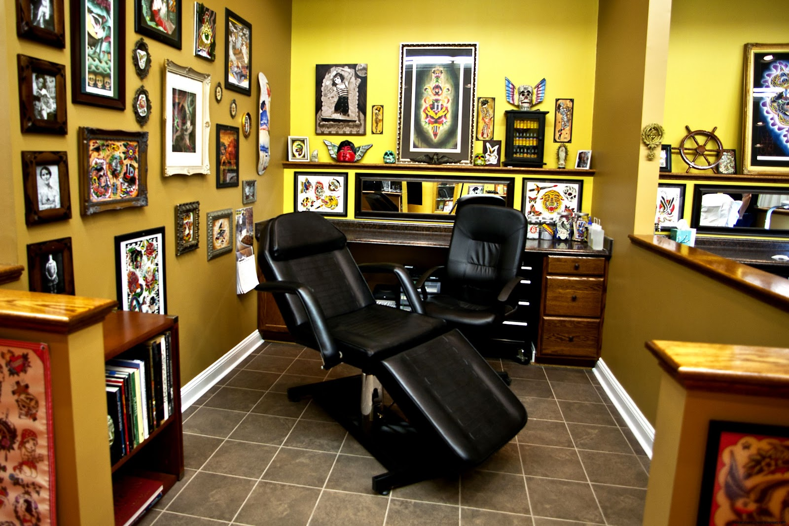 Tattoo Parlor in Los Angels