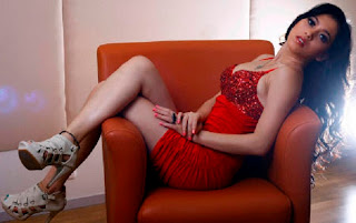 Foto Hot Zahra Jasmine di Majalah Popular