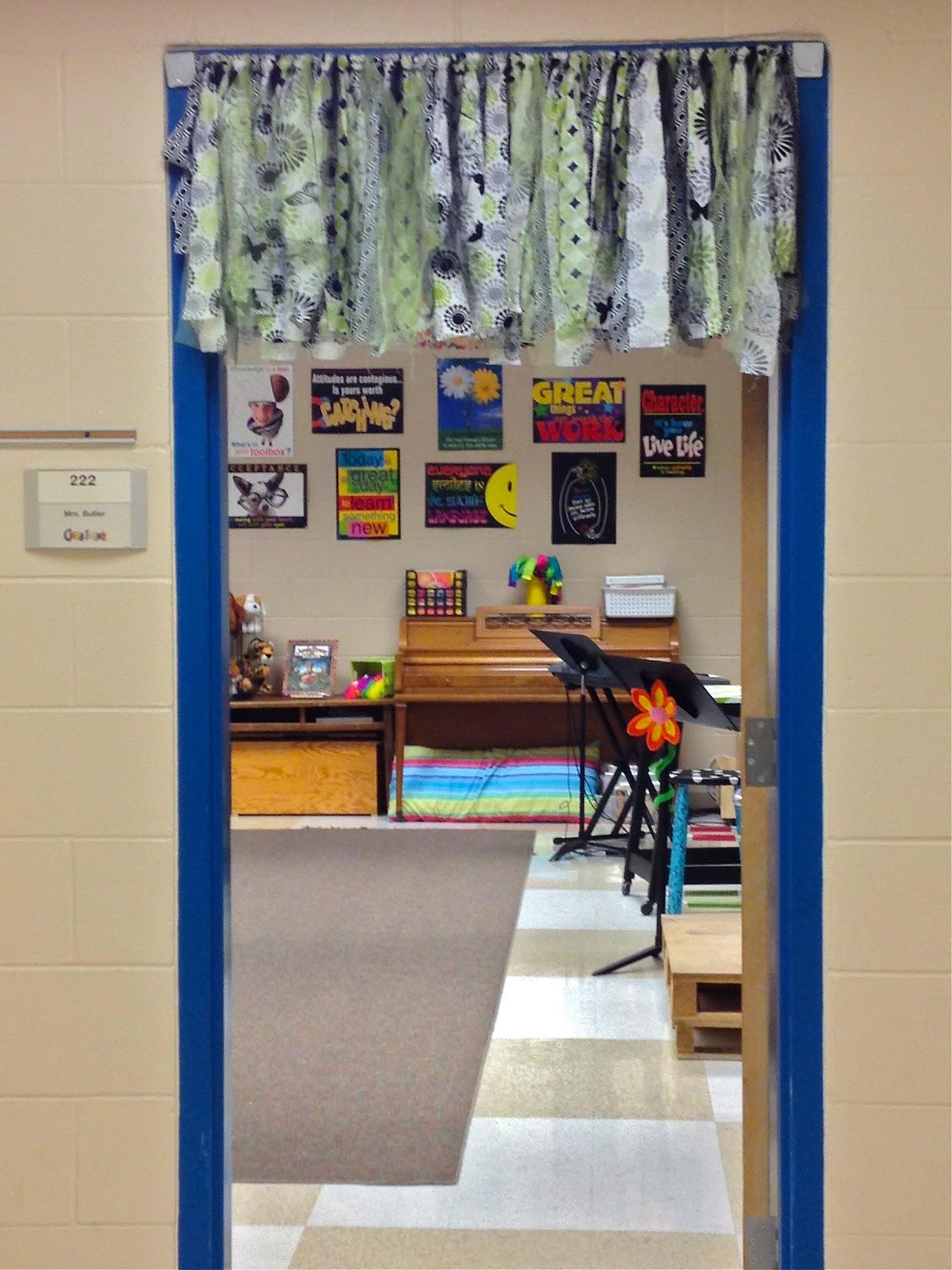 Up Classroom Decor : Make music rock dress it up