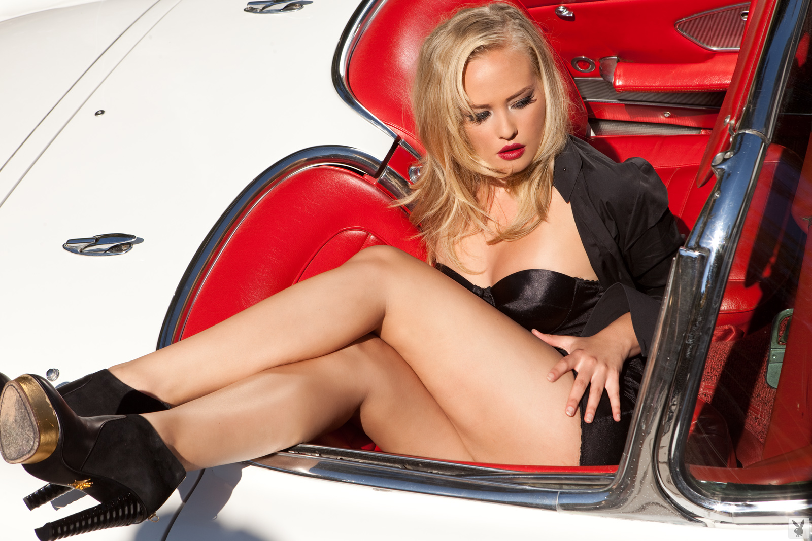 classic cars and naked girls