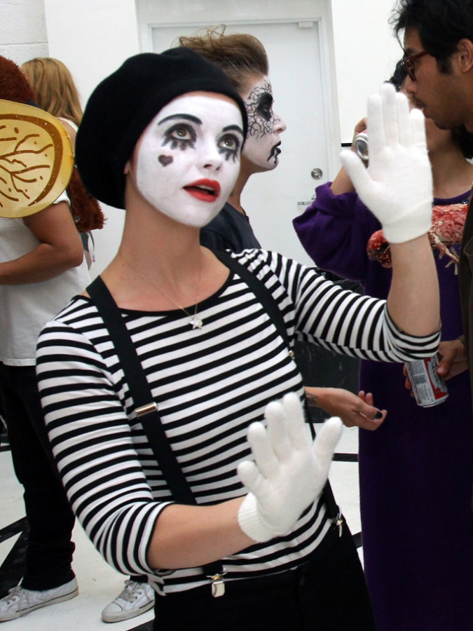 Christina Ricci Mime Halloween Costume