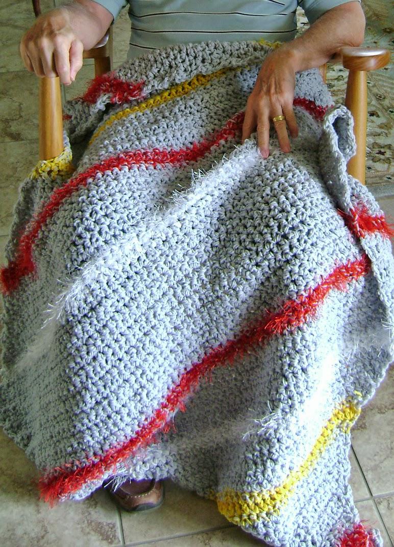 Free Crochet Patterns Lap Throws : Amandas Happy Hearth: Diagonal Lap-ghan