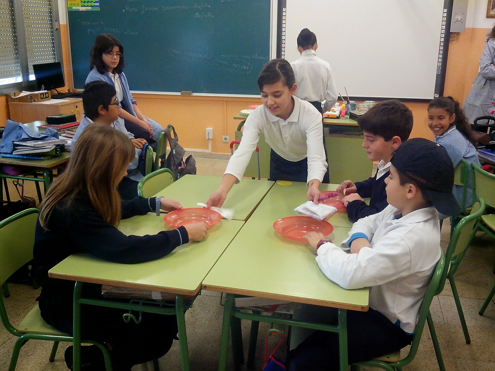 Colegio amor de dios burlada proyecto restaurante en euskera for Proyecto restaurante escolar