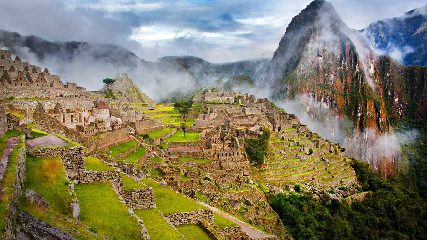 Machu Picchu, Peru (© Image Source/Corbis) 301