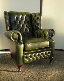 Poltrone chesterfield usate vintage su divani chester for Poltrone vintage usate