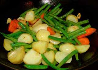 Chinese healthy recipe with potato and green beans