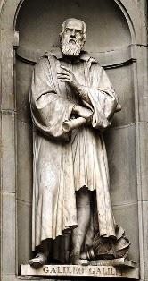 galileo galilei statua foto