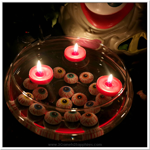 Eyeballs and Floating Candles Bowl to Decorate Your Halloween Table  |  www.3Garnets2Sapphires.com