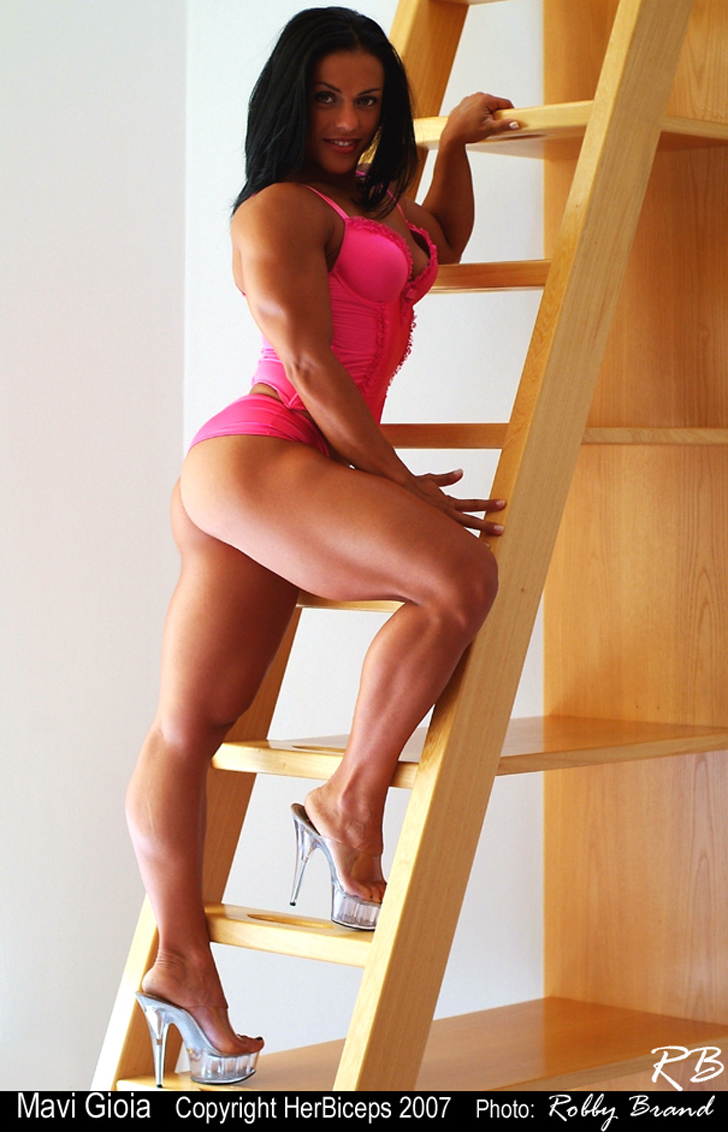 Mavi Gioia Modeling Her Muscular Legs And Great Butt In Heels