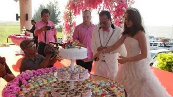 Timbalan Menteri kahwini gadis 28 tahun