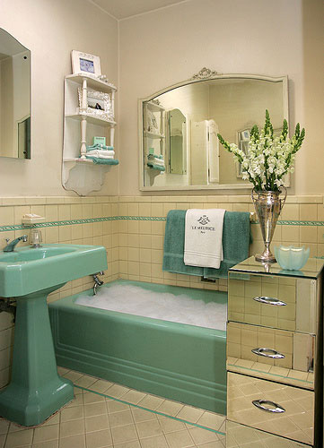 Tenant proof design art deco bathrooms for Bathroom design 1930 s home