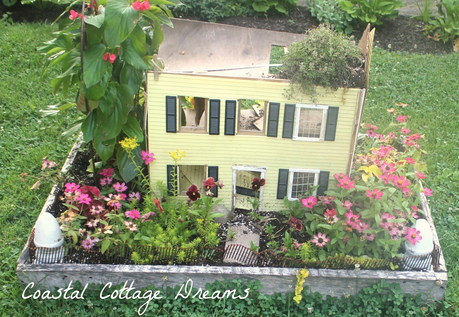 Love The Lady That Overlooks The Blackberry Patch. Did You Notice The Rain  Spout Used As Fencing? What A Cool Idea!!!