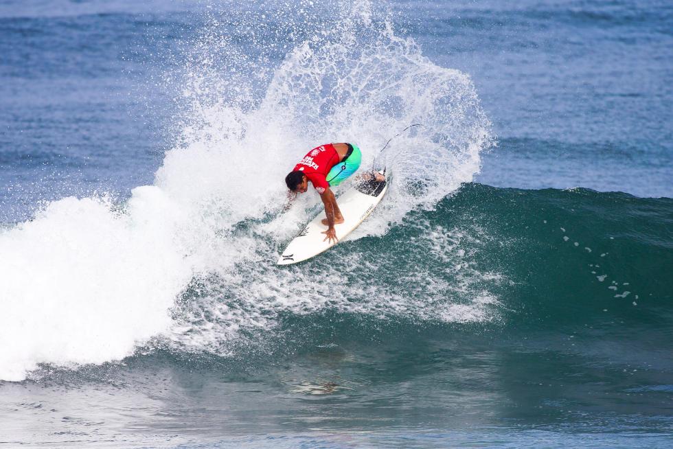 44 Michel Bourez PYF Hawaiian Pro Triple Corona Fotos WSL tony heff