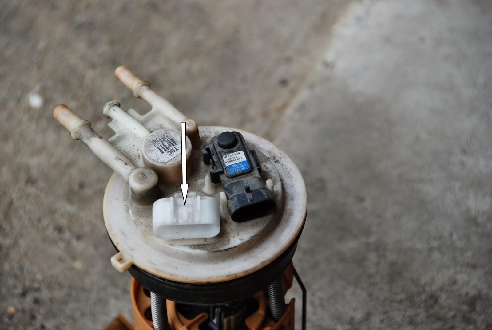 Simons Blog Replacing Gmc Yukon Xl 2001 Fuel Pump 2005 Engine Diagrams