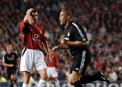 Ronaldo Nazario celebrates a goal against Man United
