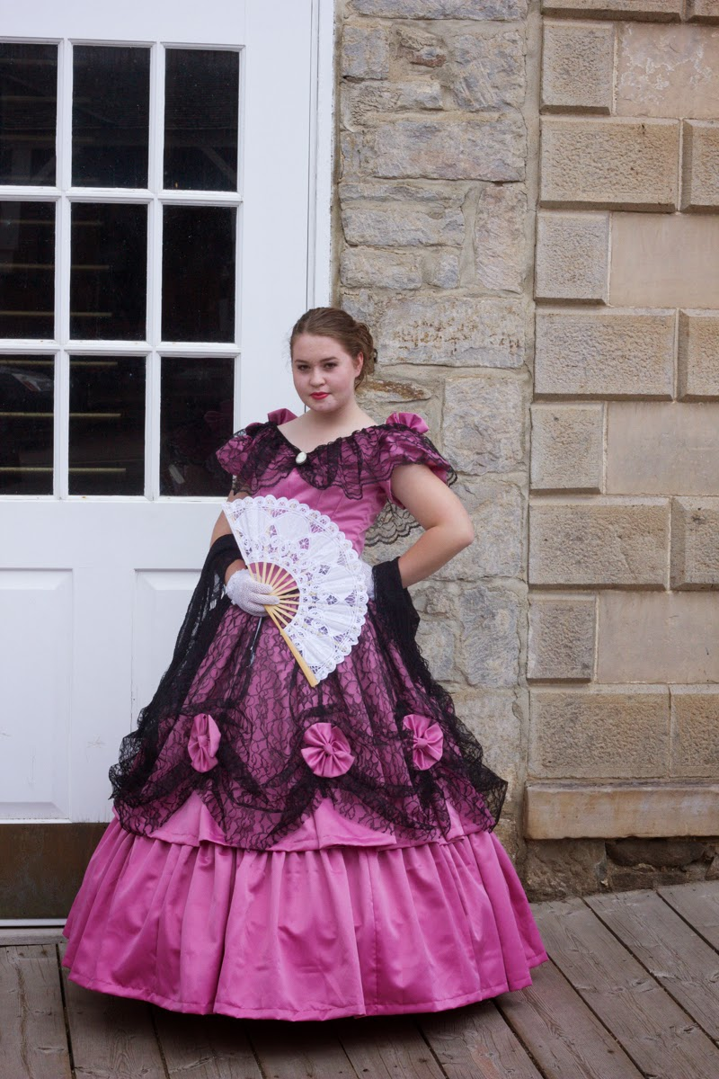 A Southern Seamstress: 1860\'s Victorian Ball Gown