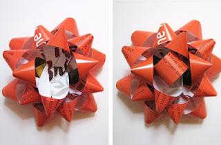 Geschenkverpackung aus hochglänzenden Wohnzeitschriften – Recycling zu Weihnachten