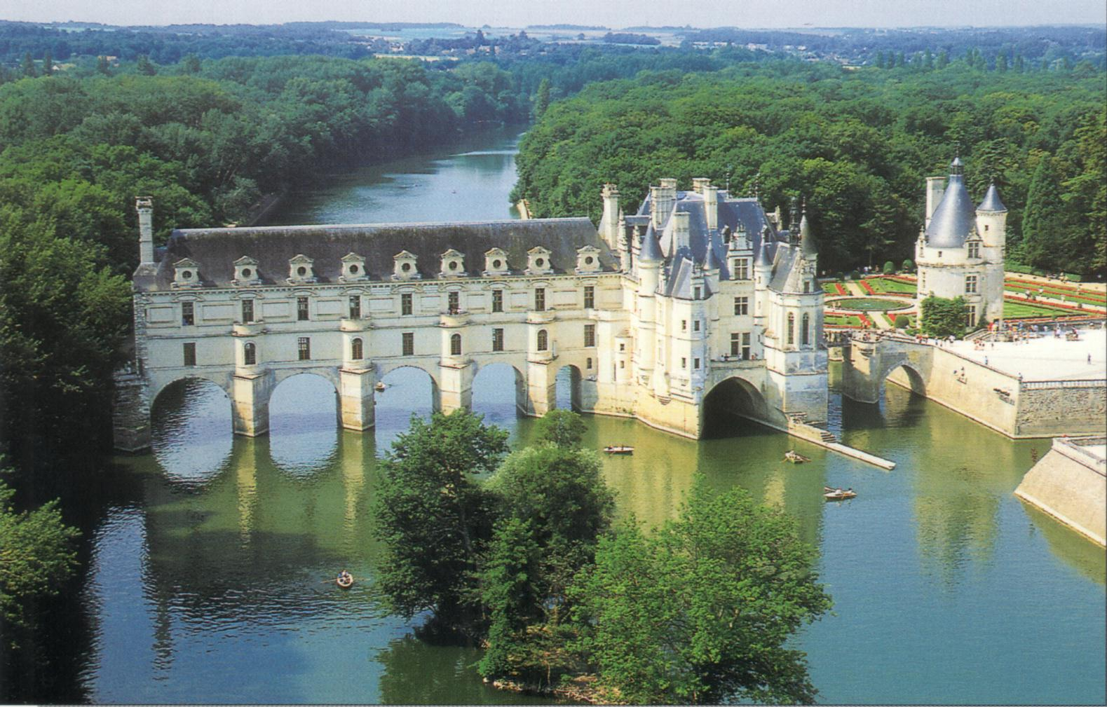 World wondering preview chateau de chenonceau for Interieur france