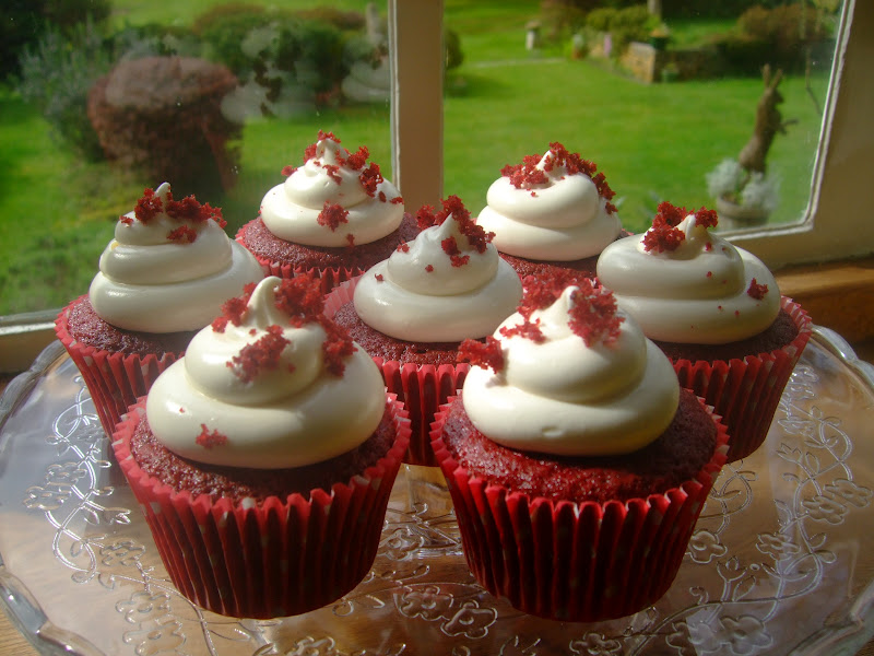 Colourful Cupcakes of Newbury: 16th Birthday Red Velvet Cupcakes