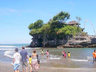 Tanah Lot Temple Tabanan Bali