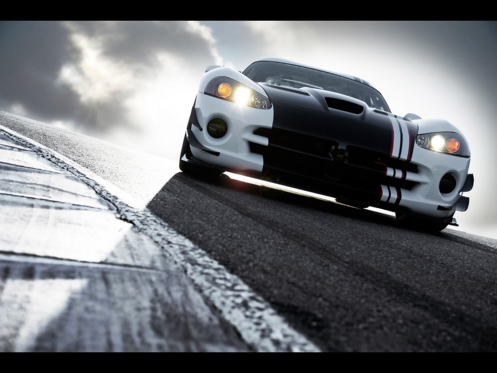 http://3.bp.blogspot.com/-SpwMtQnqg6E/UPh6fOymPQI/AAAAAAAAPJU/5xi6TO4OF1g/s1600/2010-Dodge-Viper-SRT10-ACR-X-Front-Angle-Tilt-2-1920x1440.jpg