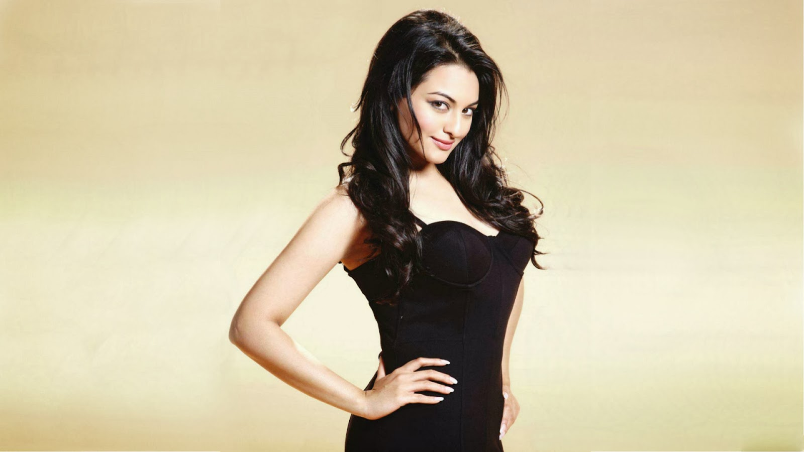 Sonakshi Sinha Bollywood Actress HD wallpapers Hot
