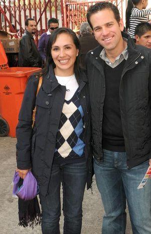 Carlos Loret De Mola Y Su Esposa