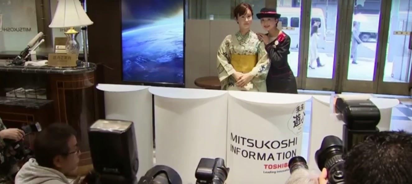 بالفيديو: اليابان تبدأ بتعويض الموظفيين بالروبوتات !