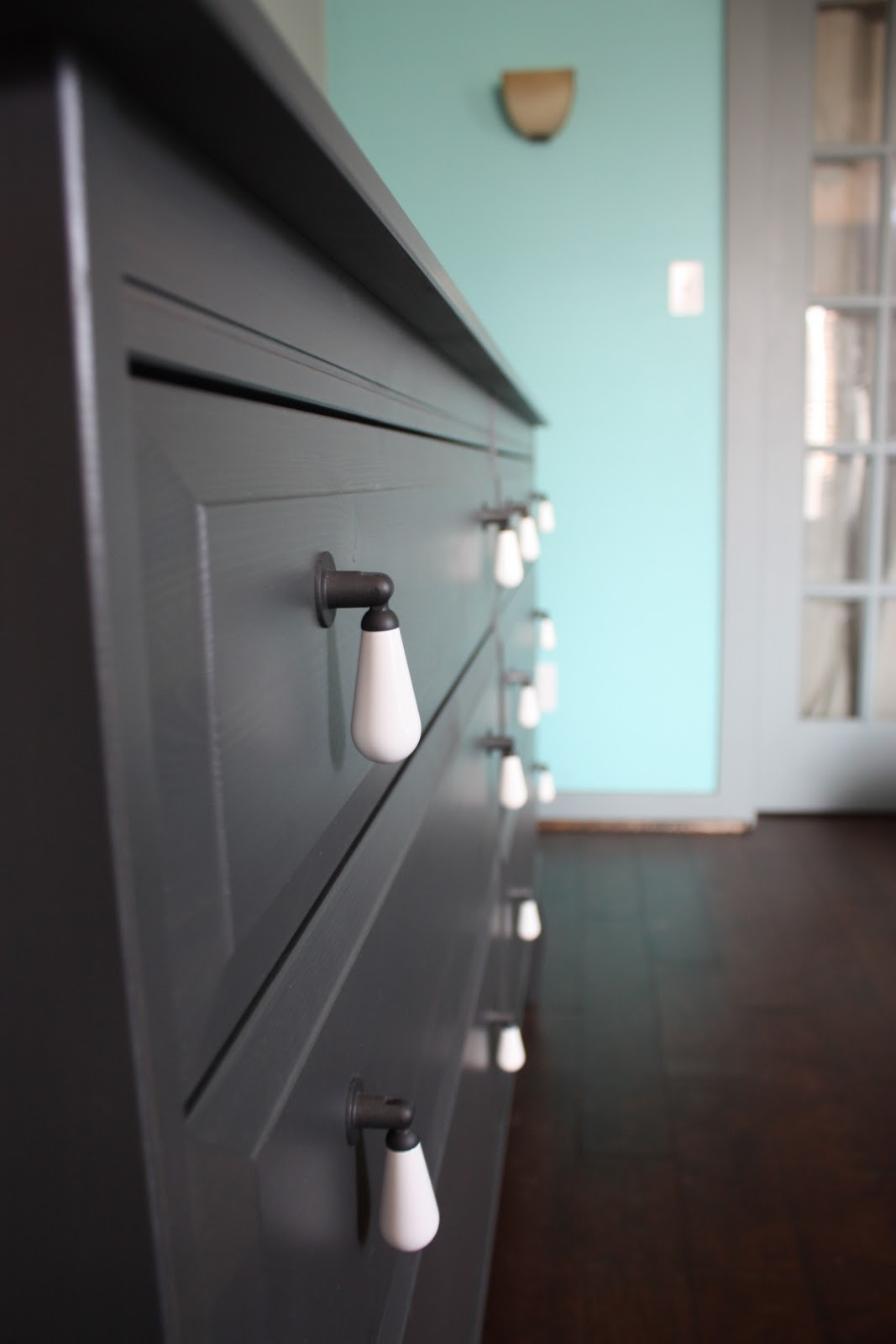 Ikea Utrusta Schubladenfront ~ loved the knobs on the edland series dressers and night stands