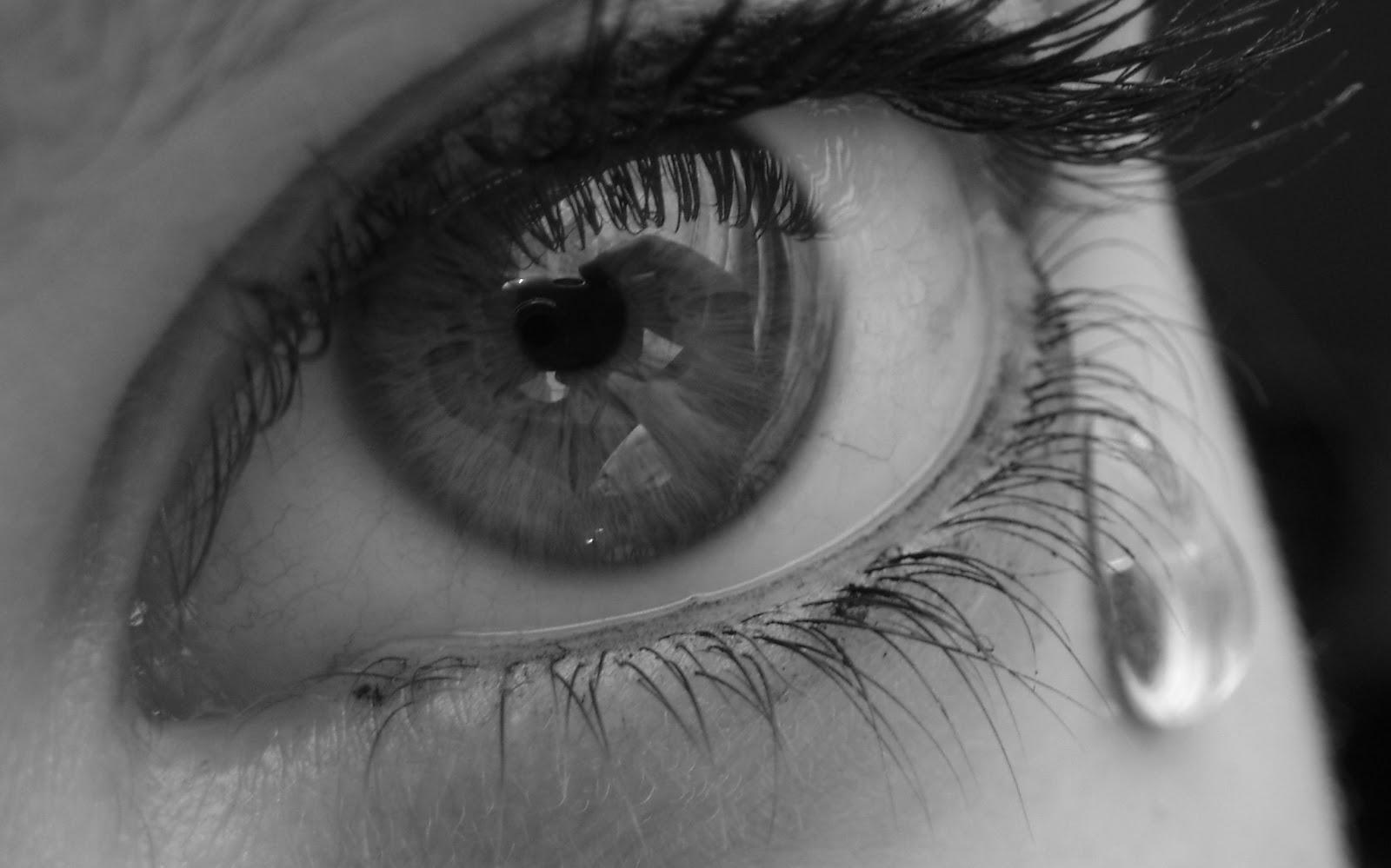 http://3.bp.blogspot.com/-SqgTtFwEaa8/TlfeoLECsQI/AAAAAAAAAsU/2ldhOxxBEuw/s1600/sad-eye.jpg