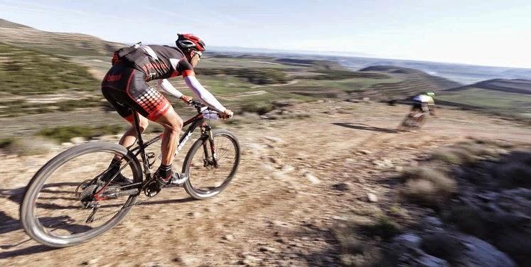 """""""Los mensajeros y los ciclistas de montaña comparten un cromosoma común"""". James Bethea"""