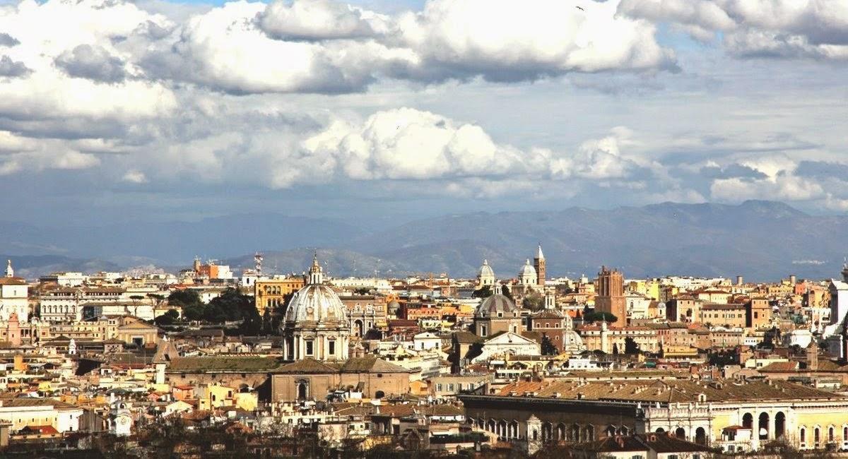 La cupola di S.Andrea della Valle in un panorama romano