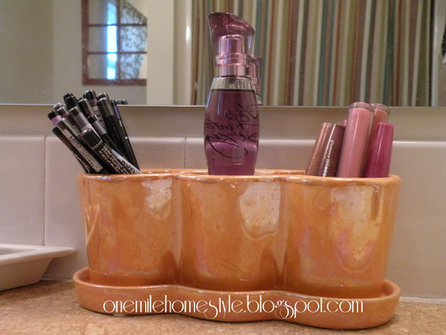 Flower Pot Make-Up Organizer